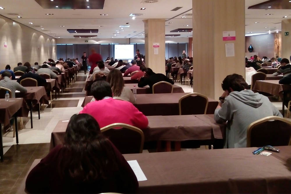 Trinity Academia Ingles Granada Bla Bla Company 2